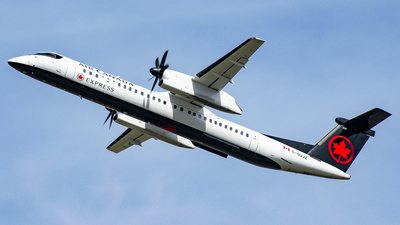 C-GUJZ - Bombardier Dash 8-Q402 - Air Canada Express (Jazz Aviation)