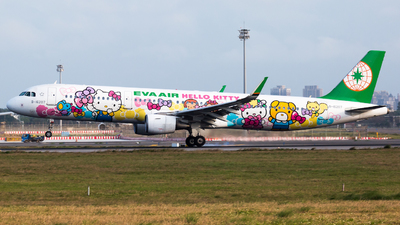 A picture of B16207 - Airbus A321211 - EVA Air - © YIFENG SHEN