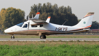 I-SKYS     - Tecnam P2006T - Sky Service Flight Academy