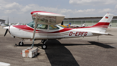 D-EPFG - Cessna TR182 Turbo Skylane RG - Private