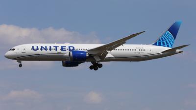 N24976 - Boeing 787-9 Dreamliner - United Airlines
