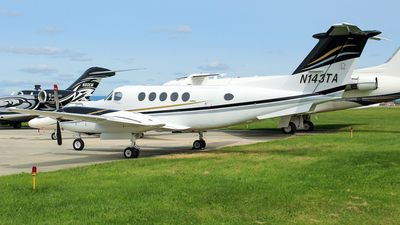 N143TA - Beechcraft 200 Super King Air - Private