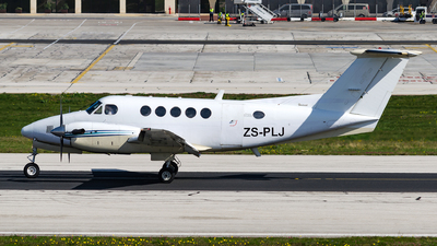 ZS-PLJ - Beechcraft 200 Super King Air - AeroCare Medical Transport