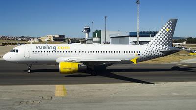 EC-MBF - Airbus A320-214 - Vueling
