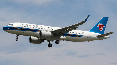 B-301K - Airbus A320-251N - China Southern Airlines