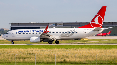 A picture of TCJGY - Boeing 7378F2 - Turkish Airlines - © Steffen Müller