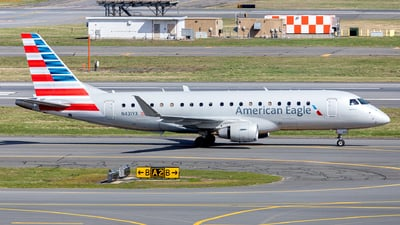 A picture of N431YX - Embraer E175LR - American Airlines - © OCFLT_OMGcat