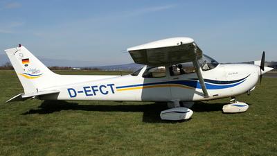 A picture of DEFCT - Cessna 172S Skyhawk SP - [172S8186] - © Daniel Schwinn