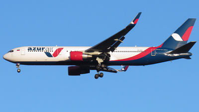 A picture of VQBEO - Boeing 76733A(ER) - Azur Air - © Santiago Osorio Ramírez