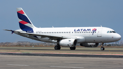 A picture of CCCYJ - Airbus A319132 - LATAM Airlines - © Aldo Martinelli