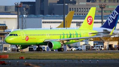 VP-BOJ - Airbus A320-214 - S7 Airlines