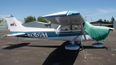 ZK-DST - Cessna 172M Skyhawk - Private