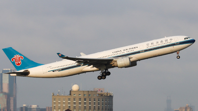 A picture of B5965 - Airbus A330323 - China Southern Airlines - © HXD1D1898 SjHd