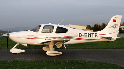 D-EMTR - Cirrus SR22 - Private