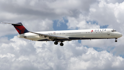 N968DL - McDonnell Douglas MD-88 - Delta Air Lines