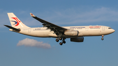 B-5930 - Airbus A330-243 - China Eastern Airlines