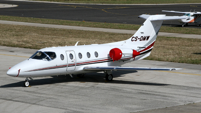 CS-DMW - Raytheon Hawker 400XP - NetJets Europe