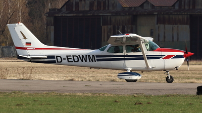 D-EDWM - Cessna 172N Skyhawk II - Private