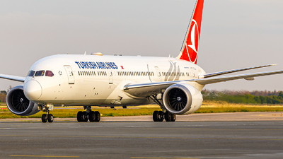 A picture of TCLLG - Boeing 7879 Dreamliner - Turkish Airlines - © IhorKolesnyk