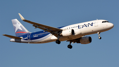 CC-BFK - Airbus A320-214 - LAN Airlines