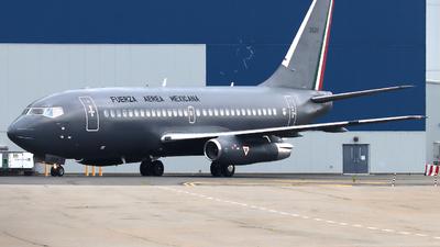 3520 - Boeing 737-2B7(Adv) - Mexico - Air Force