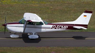 A picture of DECMP - Cessna 172S - [] - © Andreas van den Berg