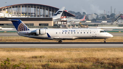 A picture of N975SW - Mitsubishi CRJ200LR - United Airlines - © Stian Haabeth