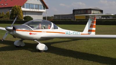 HA-1247 - Hoffmann H36 Dimona - Private