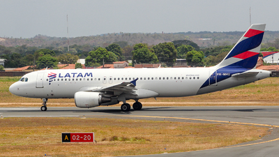PR-MHU - Airbus A320-214 - LATAM Airlines