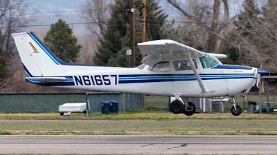 A picture of N61657 - Cessna 172M Skyhawk - [17264706] - © HA-KLS
