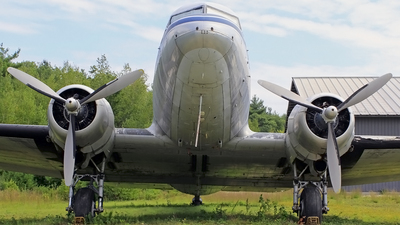 N33623 - Douglas DC-3C - Private