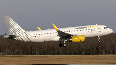 A picture of ECMFN - Airbus A320232 - Vueling - © Peter Tolnai