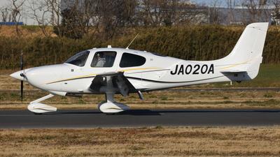 JA020A - Cirrus SR20 - Private