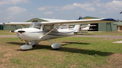 VH-SLL - Cessna 150M - Private