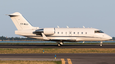 T7-MJJ - Canadair CL-600-1A11 Challenger 600 - Private