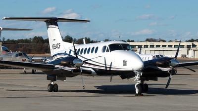 A picture of N994CF - Beech 300 Super King Air 350 - [FL248] - © ajwebb