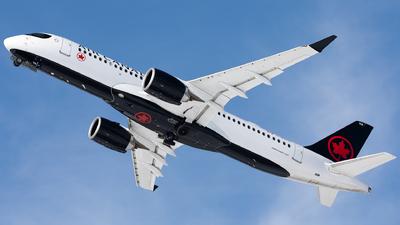 A picture of CGJYC - Airbus A220300 - Air Canada - © Hongyu Wang