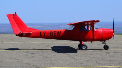LY-BEW - Cessna 152 II - Private