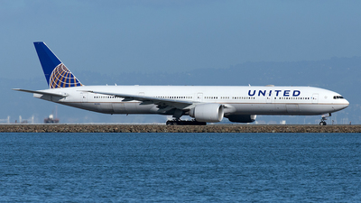 A picture of N2138U - Boeing 777322(ER) - United Airlines - © Yixin Chen
