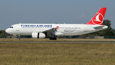 TC-JAI - Airbus A320-232 - Turkish Airlines