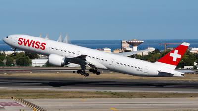 A picture of HBJNL - Boeing 777300(ER) - Swiss - © Matheus Felipe