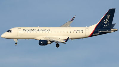 N402YX - Embraer 170-200LR - Republic Airways