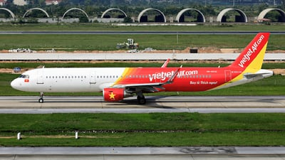 A picture of VNA532 - Airbus A321211 - VietJet Air - © photogiap