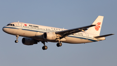 B-6793 - Airbus A320-214 - Air China