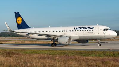 D-AIWA - Airbus A320-214 - Lufthansa