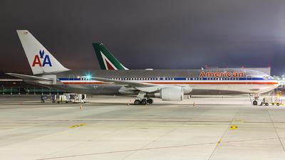 N358AA - Boeing 767-323(ER) - American Airlines