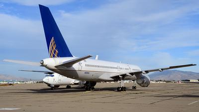 A picture of N533UA - Boeing 757222 - [25073] - © Agustin Anaya