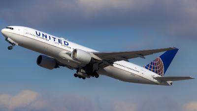 N780UA - Boeing 777-222 - United Airlines