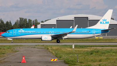 A picture of PHBXT - Boeing 7379K2 - KLM - © OSL Planespotting