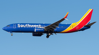 A picture of N8550Q - Boeing 7378H4 - Southwest Airlines - © Evan Dougherty